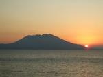 桜島と夕日
